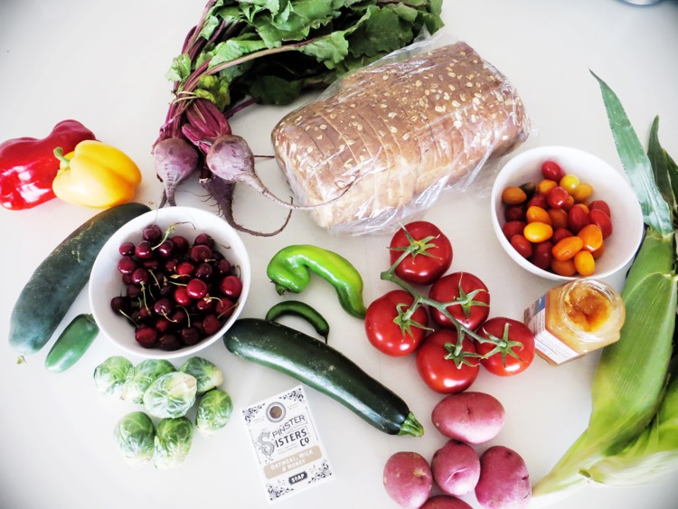 4 Reasons to Start Shopping at Farmer's Markets
